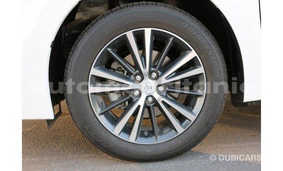 Acheter Importé Voiture Toyota Corolla Blanc à Import - Dubai, Adrar