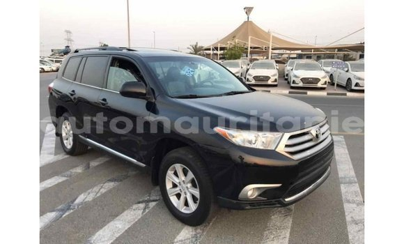 Medium with watermark toyota highlander adrar import dubai 1432