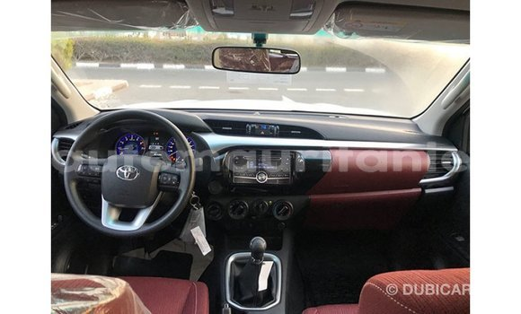 Acheter Importé Voiture Toyota Hilux Blanc à Import - Dubai, Adrar