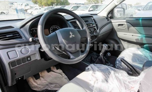 Acheter Importé Voiture Mitsubishi L200 Blanc à Import - Dubai, Adrar