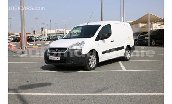 Acheter Importé Voiture Peugeot Partner Blanc à Import - Dubai, Adrar