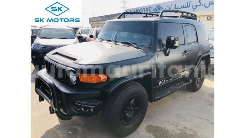 Big with watermark toyota fj cruiser adrar import dubai 3734