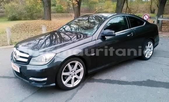 Acheter Occasion Voiture Mercedes-Benz C–Class Blanc à Nouakchott, Nouakchott Ouest
