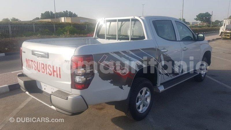 Big with watermark mitsubishi l200 adrar import dubai 3831