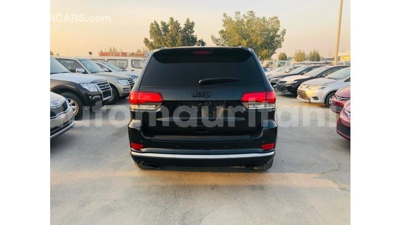 Big with watermark jeep grand cherokee adrar import dubai 3940