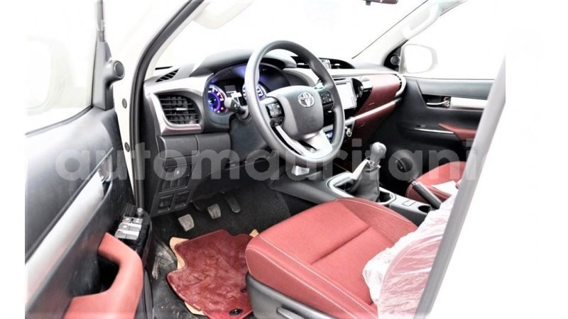 Big with watermark toyota hilux adrar import dubai 4017