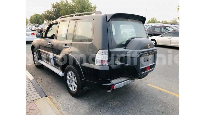 Big with watermark mitsubishi pajero adrar import dubai 4070