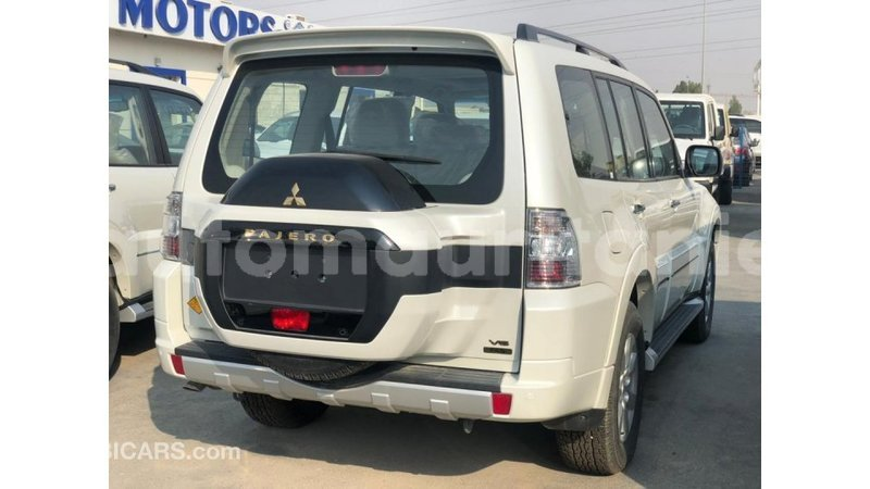 Big with watermark mitsubishi pajero adrar import dubai 4120